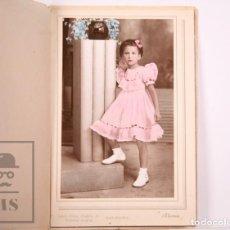 Fotografía antigua: ANTIGUA FOTOGRAFÍA EN COLOR - RETRATO DE NIÑA - FOT. ALONSO, BARCELONA - AÑOS 40-50. Lote 168569908