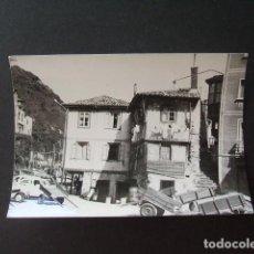 Fotografía antigua: CUDILLERO ASTURIAS ASPECTO URBANO FOTOGRAFIA ANTIGUA 7,5 X 10,5 CMTS. Lote 170373613