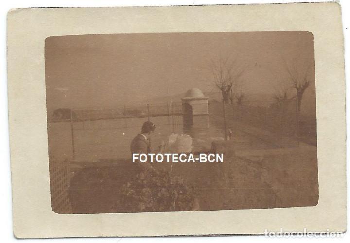 FOTO ORIGINAL BARCELONA FONT DEL LLEÓ CISNES EN ESTANQUE AÑOS 20/30 (Fotografía Antigua - Gelatinobromuro)