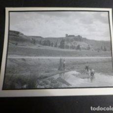 Fotografía antigua: ZORITA DE LOS CANES GUADALAJARA VISTA FOTOGRAFIA POR ROBERT GILLON PRESIDENTE SENADO BELGICA. Lote 172070778