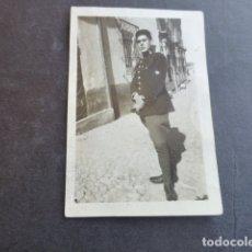Fotografía antigua: POZUELO DE ALARCON MADRID RETRATO DE SOLDADO MILITAR DE INFANTERIA AÑOS 20 4,6 X 6,8 CMTS. Lote 174549722