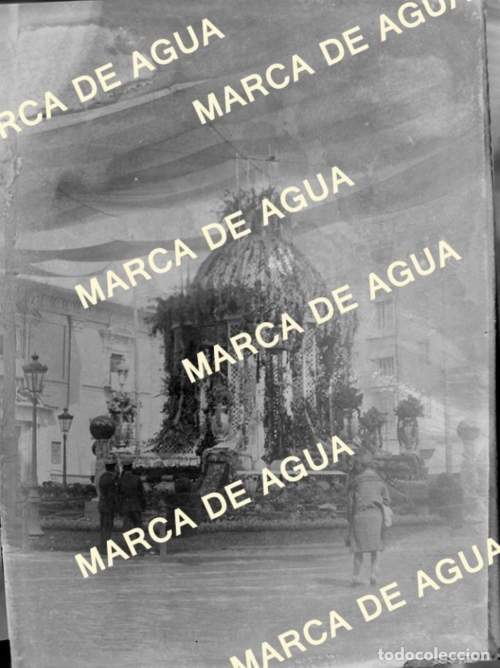 ANTIGUO NEGATIVO CRISTAL CORPUS VALENCIA PLAZA LA VIRGEN PRINCIPIOS SIGLO XX (Fotografía Antigua - Gelatinobromuro)