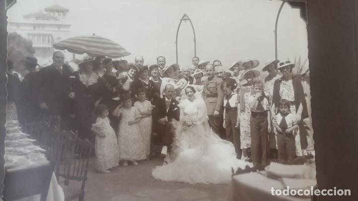 Fotografía antigua: ÁLBUM - 1935 - ARISTOCRACIA - La Coruña, Santiago, Santander, Barcelona, Ferrol, Bayona, Covadonga.. - Foto 32 - 178624336