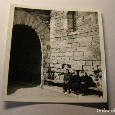 Fotografía antigua: FOTOGRAFIA EN BLANCO Y NEGRO, PRADES, AÑOS 60.. Lote 182817693