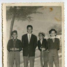 Fotografía antigua: SANTANDER, JOTA DE LOS RATAS DE LA GRAN VÍA, 1958, FOTO JULPEX, 13,5X8,5 CM.. Lote 186485353
