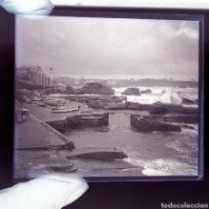 Fotografía antigua: 2 PLACAS GELATINO-BROMURO AÑO 1900 BIARRITZ PANORÁMICA. Lote 187095185