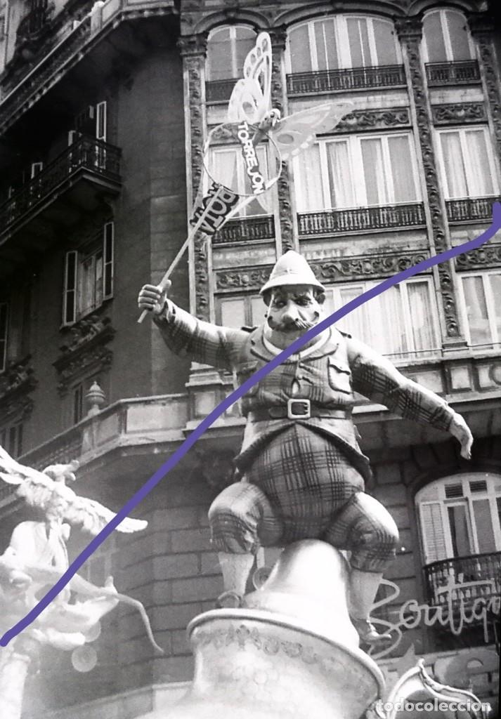 NEGATIVO DE FOTOGRAFIA. FALLA. CLICHÉ. FALLAS DE VALENCIA. AÑOS 70. (Fotografía Antigua - Gelatinobromuro)