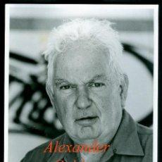 Fotografía antigua: ESCULTOR - ALEXANDER CALDER . Lote 191003340