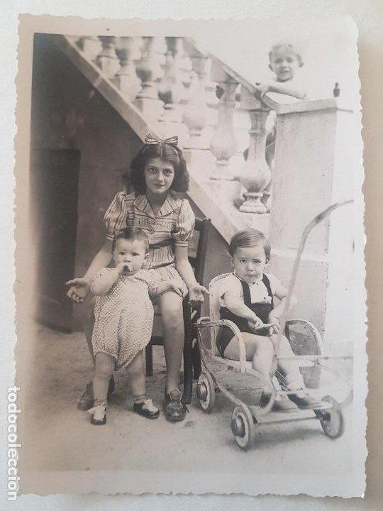 RETRATO NIÑA Y SUS HERMANOS AÑOS 50 FOTOGRAFIA (Fotografía Antigua - Gelatinobromuro)
