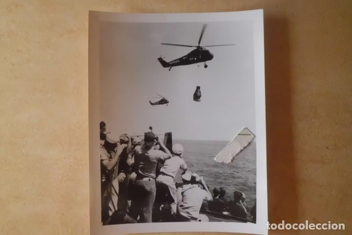 Fotografía antigua: FOTOS ORIGINALES DEL PRIMER ASTRONAUTA AMERICANO, AMERIZAJE AÑOS 60 - Foto 9 - 192392040