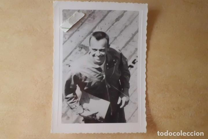 Fotografía antigua: FOTOS ORIGINALES DEL PRIMER ASTRONAUTA AMERICANO, AMERIZAJE AÑOS 60 - Foto 13 - 192392040