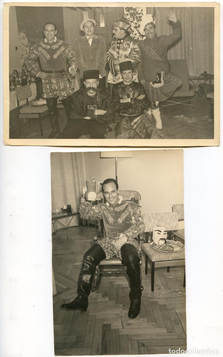 GRUPO DE CABALLEROS CON DISFRACES DE CARNAVAL, 1961. REPORTAJES DÍAZ, MORATALAZ, MADRID (Fotografía Antigua - Gelatinobromuro)