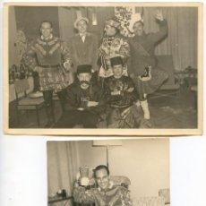 Fotografía antigua: GRUPO DE CABALLEROS CON DISFRACES DE CARNAVAL, 1961. REPORTAJES DÍAZ, MORATALAZ, MADRID. Lote 193581010