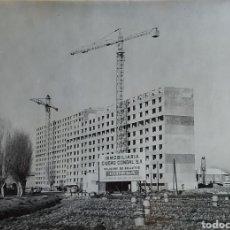 Fotografia antiga: FOTOGRAFIA Y NEGATIVO DE LA CONSTRUCCION DEL POLÍGONO DE BELLVITGE EN 1966. Lote 193616192