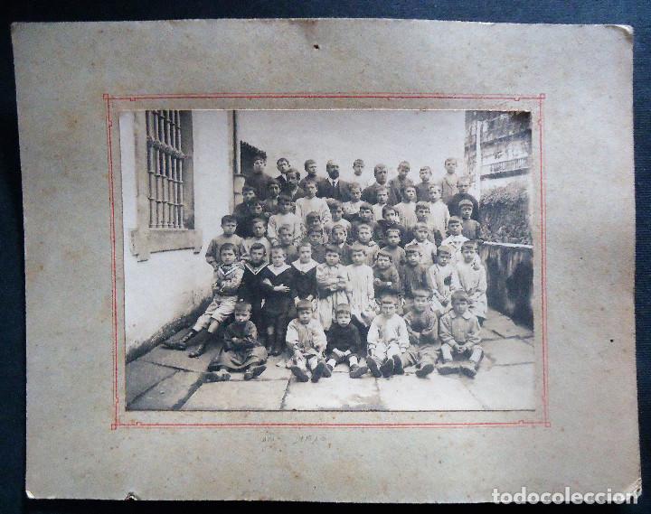 Fotografía antigua: NAVARRA.VERA DE BIDASOA. PROFESOR:D.VICTOR SAGREDO CON SUS ALUMNOS TAMAÑO 17X23CM. 1910 - Foto 2 - 194273013