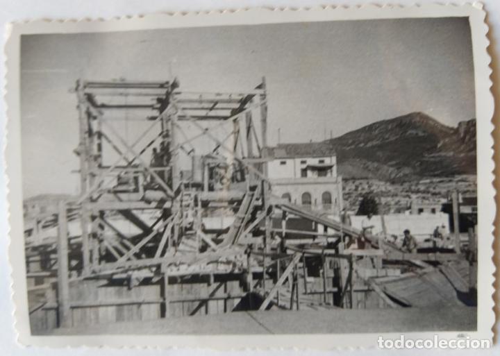 Fotografía antigua: ALCOY CONSTRUCCION DE SANT MAURO LOTE 15 FOTOGRAFIAS - Foto 2 - 194866733