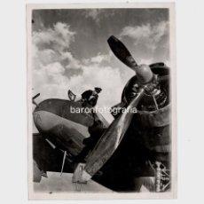 Fotografía antigua: 2ª GUERRA MUNDIAL. EJÉRCITO BRITÁNICO, 1945. AVIACIÓN. VER REVERSO CON DATOS. 15X20,5 CM.. Lote 195162451