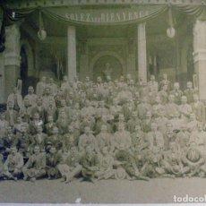 Fotografía antigua: DELEGACION OBRERA ESPAÑOLA EN LA EXPOSICION UNIVERSAL DE PARIS. 1900. ORIGINAL. OBRERO. ESPAÑA. Lote 195163511