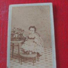Fotografía antigua: NIÑA. J. GUTIERREZ. Lote 195398325