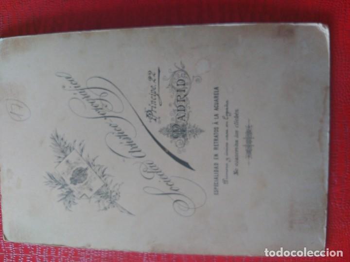 Fotografía antigua: Niña en cojín. Sociedad artística fotográfica - Foto 2 - 195399747