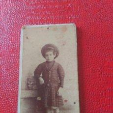 Fotografía antigua: NIÑA. DÁMASO FUERTES. Lote 195401906