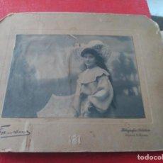 Fotografía antigua: CHICA CON SOMBRILLA. FRANZEN. Lote 195403128