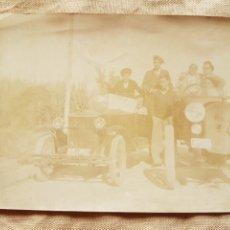 Fotografía antigua: ANTIGUA FOTO COCHES 1910 BARCELONA 13 Y CASTELLON 31 W. Lote 199196072