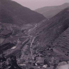 Fotografía antigua: PIRINEOS. RIBES DE FRESER? VALLE Y RIO. C. 1935. Lote 205334181