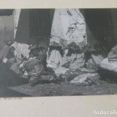 Fotografía antigua: TETUAN MARRUECOS 1934 FOTOGRAFIA POR VIAJERO ALEMAN 11,5 X 17 CMTS MONTADA SOBRE CARTON. Lote 205406651