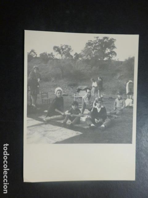 AZNALCOLLAR SEVILLA MERIENDA CAMPESTRE ANTIGUA FOTOGRAFIA 9 X 11,5 CMTS (Fotografía Antigua - Gelatinobromuro)