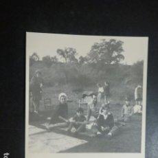 Fotografía antigua: AZNALCOLLAR SEVILLA MERIENDA CAMPESTRE ANTIGUA FOTOGRAFIA 9 X 11,5 CMTS. Lote 205539165