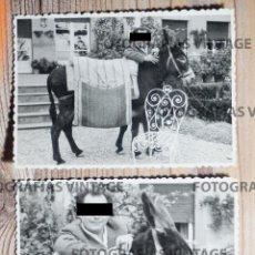 Fotografía antigua: 2 FOTOGRAFÍAS CON UN BURRO DISECADO. FERIA. CREACIONES FOTOGRÁFICAS EMILIO. BILBAO. Lote 207146816