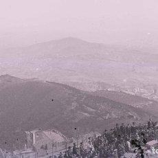 Fotografía antigua: BARCELONA. TIBIDABO. SUELTA DE PALOMAS. GENTÍO. C. 1905. Lote 210420138