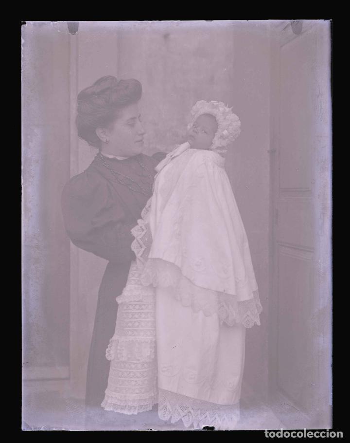 Fotografía antigua: MATERNIDAD. Señora con su bebé. Cataluña. Modernismo. c. 1905 - Foto 2 - 210456880