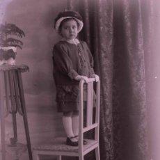 Fotografía antigua: NIÑA. PRECIOSA FOTO DE NIÑA. ESTUDIO. BARCELONA. C. 1905. Lote 210457305