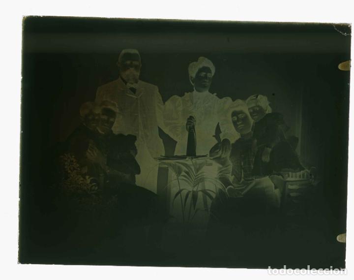 Fotografía antigua: FOTO FAMILIAR. Padres e hijos. Cataluña. c. 1905 - Foto 4 - 210457508