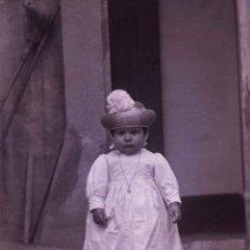 Fotografía antigua: BEBÉ. PRECIOSA FOTO DE BEBÉ CON GORRITO. C. 1905. Lote 210457567