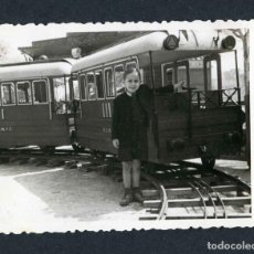Fotografía antigua: FERIA DE ATRACCIONES. TARRAGONA. F: VALLVÉ. SIMPÁTICA FOTO DE NIÑO-4. 1948. Lote 212013231