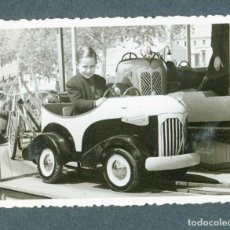 Fotografía antigua: FERIA DE ATRACCIONES. TARRAGONA. F: VALLVÉ. SIMPÁTICA FOTO DE NIÑO-8. 1948. Lote 212017846