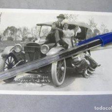 Fotografía antigua: FOTOGRAFÍA TAMAÑO POSTAL DE UN AUTOMOVIL FORD MODELO T. Lote 212997052