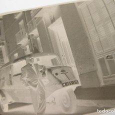 Fotografía antigua: FOTOGRAFÍA EN NEGATIVO DE UN MOTOCARRO DE MADRID.. Lote 213013171