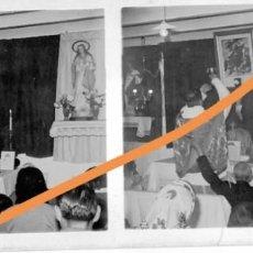 Fotografía antigua: POSITIVO DE FOTOGRAFÍA.CERCANÍAS DE BARCELONA. EN LA IGLESIA. PLACA CRISTAL ESTEREOSCÓPICA. Lote 214372690