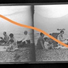 Fotografía antigua: NEGATIVO DE FOTOGRAFÍA. CERCANÍAS BADALONA.BARCELONA.PLACA CRISTAL ESTEREOSCÓPICA. Lote 214376195