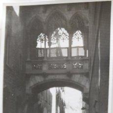 Fotografía antigua: BARCELONA LOTE DE 2 FOTOGRAFIAS 7,5 X 10 CM.. Lote 218180230