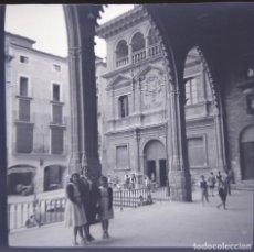 Fotografía antigua: ALCAÑIZ 1952 NEGATIVO CELULOIDE TAMAÑO 6 X 6 CM.. Lote 219338183