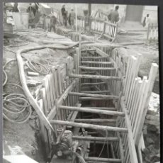 Fotografía antigua: BARCELONA CONSTRUCCIÓN DEL TUNEL VILAPICINA-HORTA TAMAÑO 18 X 24 CM.. Lote 221672836