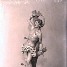Fotografía antigua: ALCOY NEGATIVO CRISTAL SAN SEBASTIAN DEL ESCULTOR TORREGROSA TAMAÑO 10 X 15 CM.. Lote 222384161