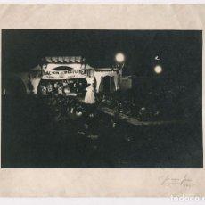 Photographie ancienne: DESFILE DE MODA, AÑO 1945. COLOMER - ONDULACIÓN PERMANETE. 18X24 CM. FIRMADA A LÁPIZ.. Lote 223955218