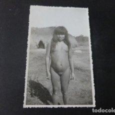 Fotografia antiga: AMERICA DEL SUR INDIGENA DESNUDA FOTOGRAFIA ANTIGUA 9 X 13 CMTS. Lote 224768407