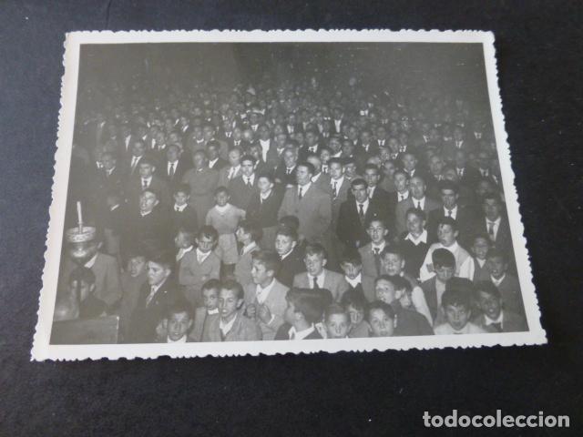 Fotografía antigua: CUENCA 1957 2 FOTOGRAFIAS ACTO RELIGIOSO L. PASCUAL FOTOGRAFO 8 X 12 CMTS - Foto 2 - 225463888